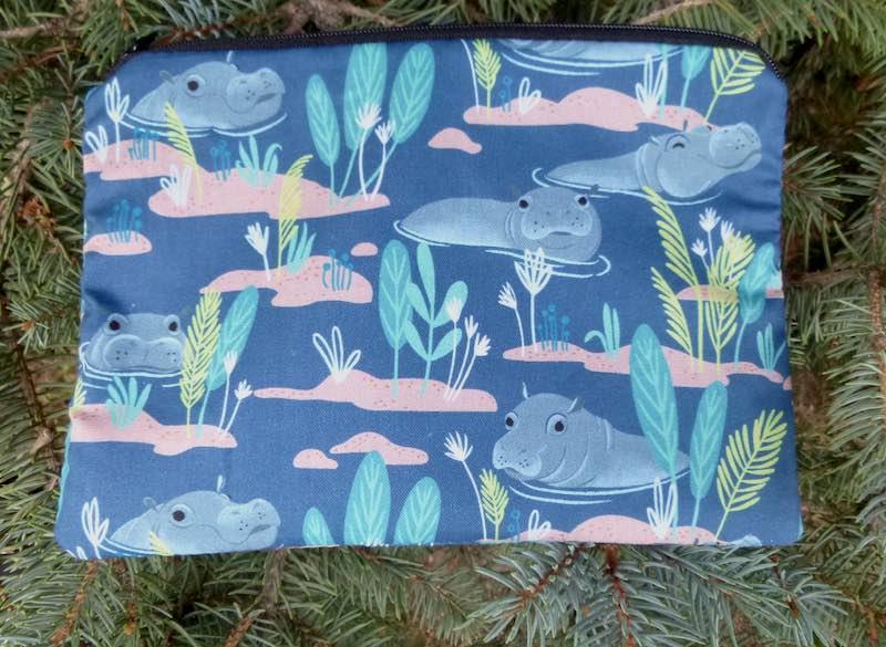 Hippos zippered bag for makeup art supplies organizing