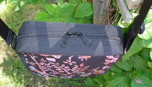 zippered cross bosy hipster bag