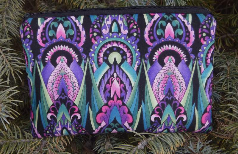 Art Deco padded case with pockets for essential oils