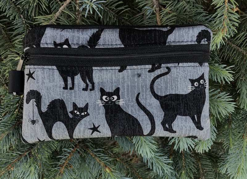 Black cat with glow in the dark eyes mini wallet