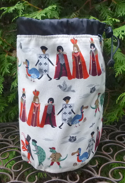 Alice in Wonderland rummikub bag
