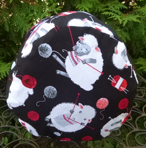 round knitting project bag with drawstring