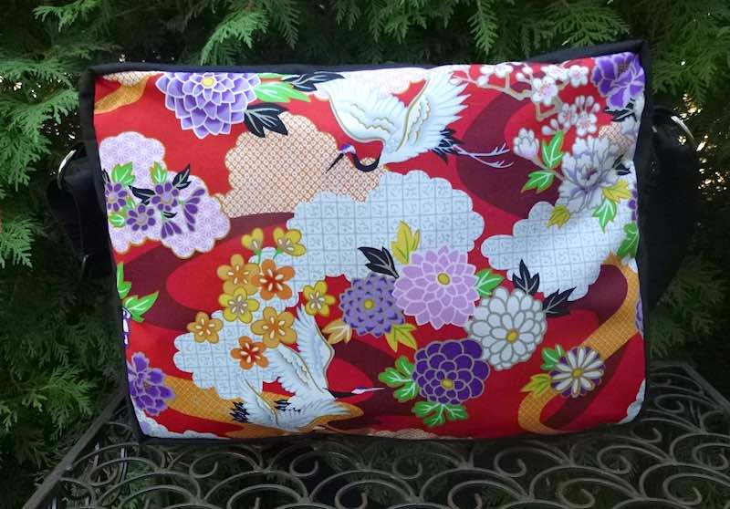 Japanese cranes and mums zippered tote bag