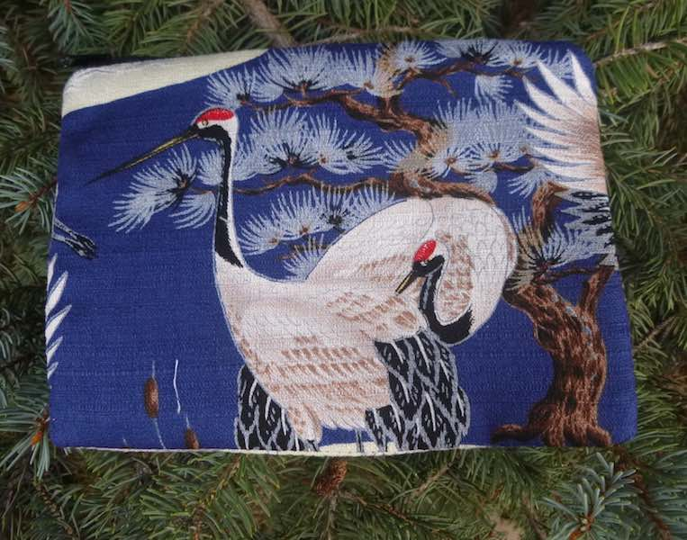 Japanese cranes zippered bag for makeup accessories