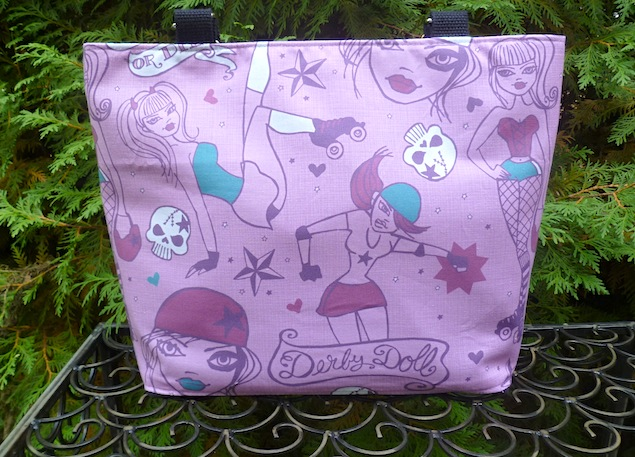 Roller derby purse with pockets