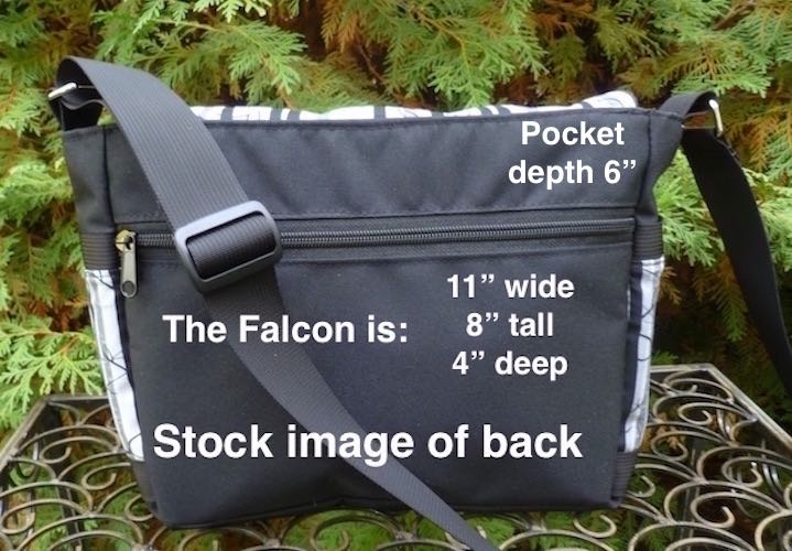 small messenger bag with pockets