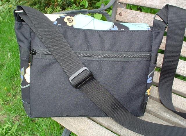 small messenger bag with back pocket