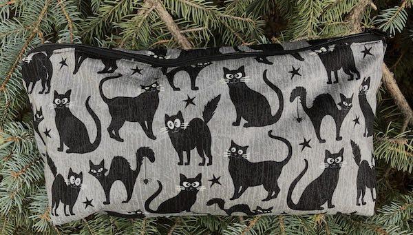 Black cats glow in the dark eyes flat bottom bag mahjong travel knitting toiletries