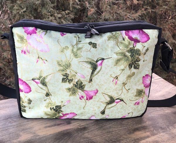 Hummingbird zippered tote bag