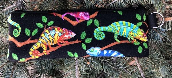 Iguanas padded glasses case