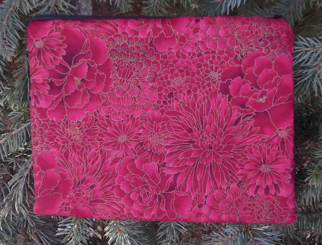 Japanese flowers on zippered bag for mahjong card and money