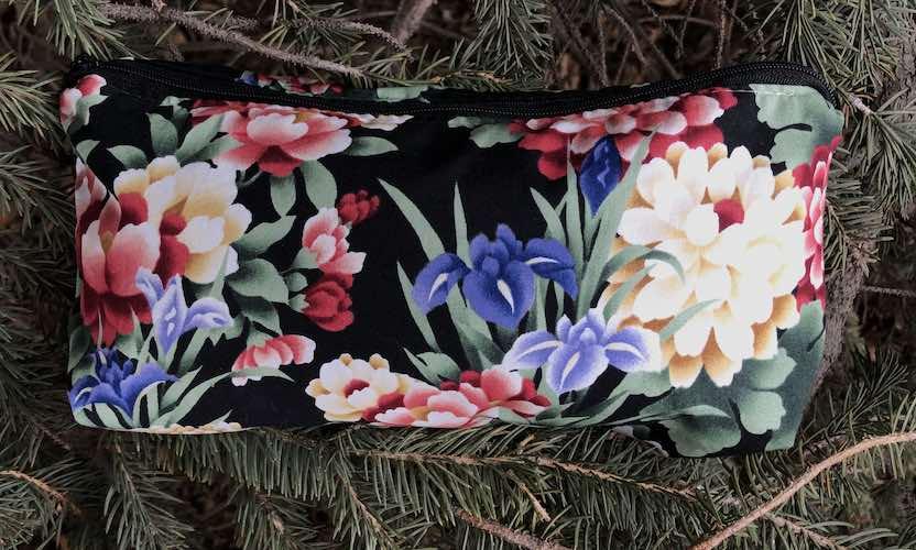 Japanese flowers flat bottom bag for makeup organizing