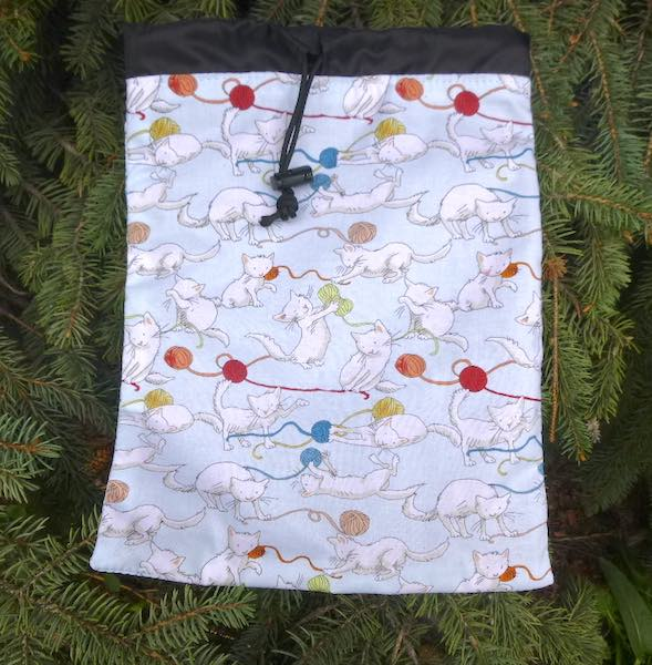 flat drawstring bag for travel, game tiles Rummikub with cats