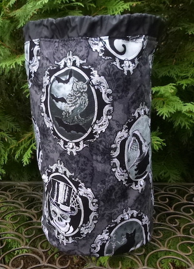 Large spooky bag for knitting projects