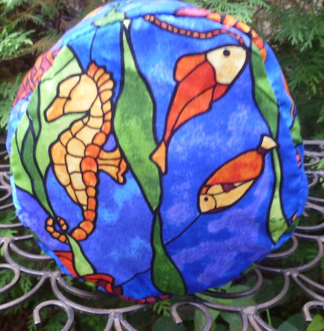 round drawstring bag that stands up for playing tile games