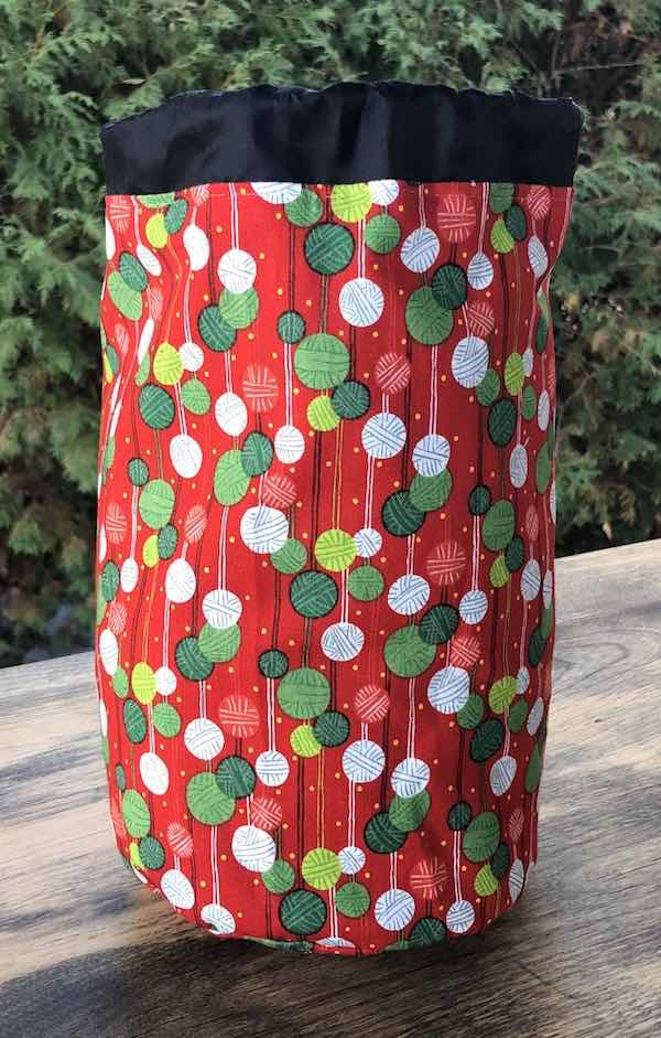 Christmas Knitting SueBee Round Drawstring Bag