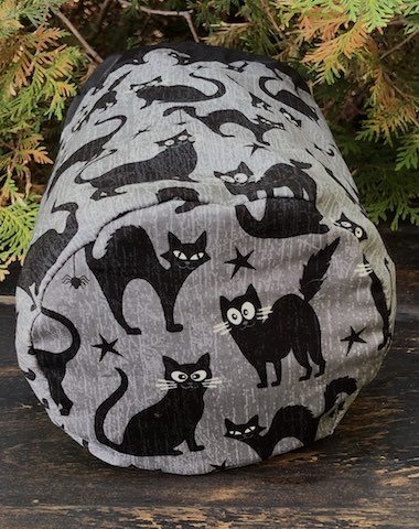 Black cat with glow in the dark eyes, SueBee Round Drawstring Bag