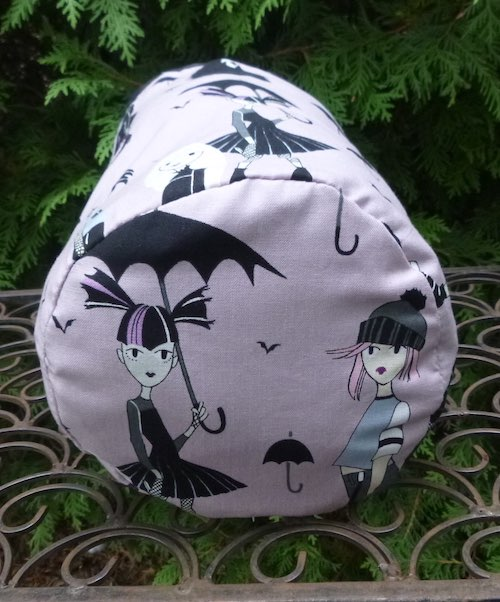 Going Goth in mauve SueBee Round Drawstring Bag