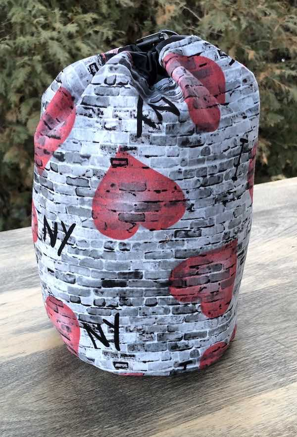 I Love New York SueBee Round Drawstring Bag