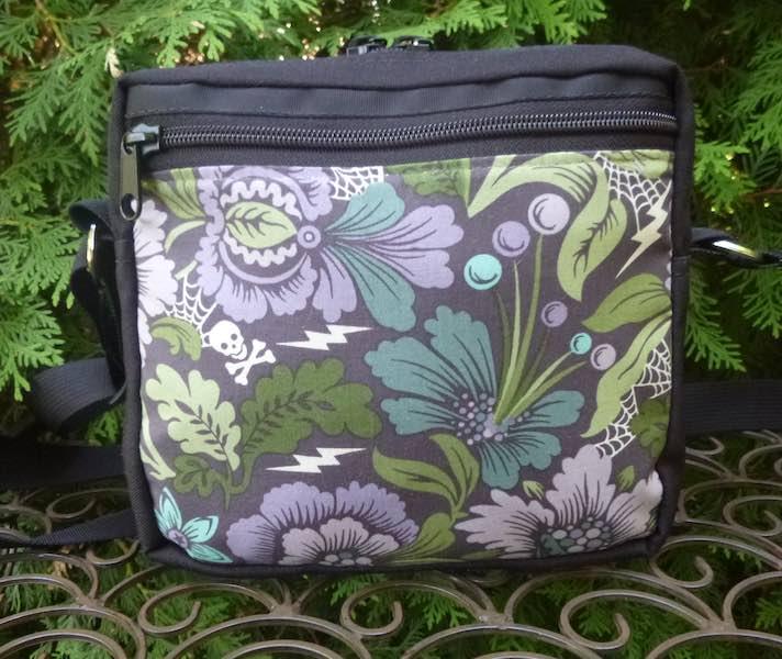 Neptunia Von Black in Eveningshade, Hipster Shoulder Bag, The Otter