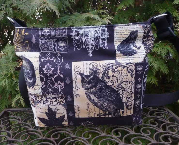 Nevermore, Tribute to Edgar Allan Poe, the Tootsie purse
