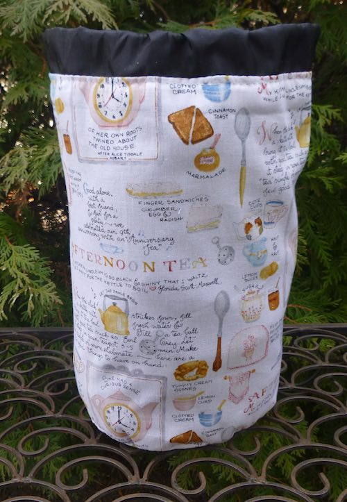 Afternoon Tea SueBee Round Drawstring Bag