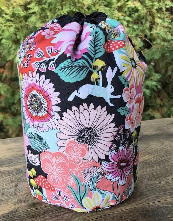 Alice in Wonderland SueBee Round Drawstring Bag