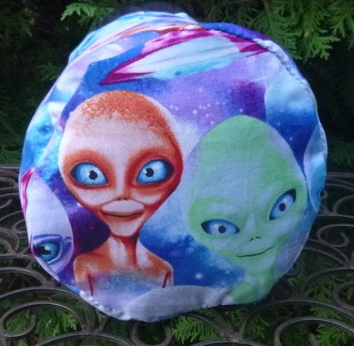 Aliens SueBee Round Drawstring Bag