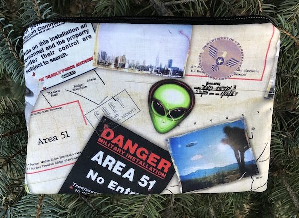Area 51 Aliens zippered bag, The Scooter 1