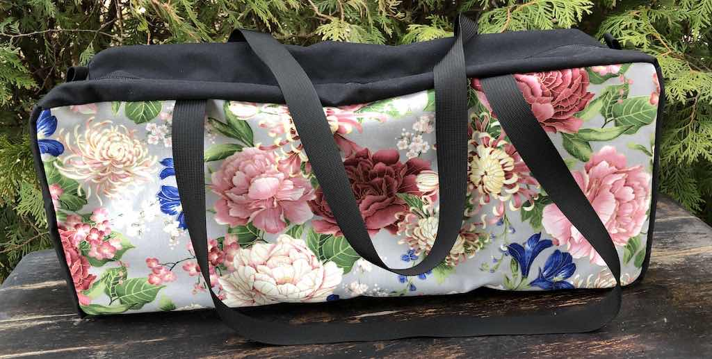 Mums and Peonies Mahjongg Storage Set The Zippered Tote-ster and Large Zini