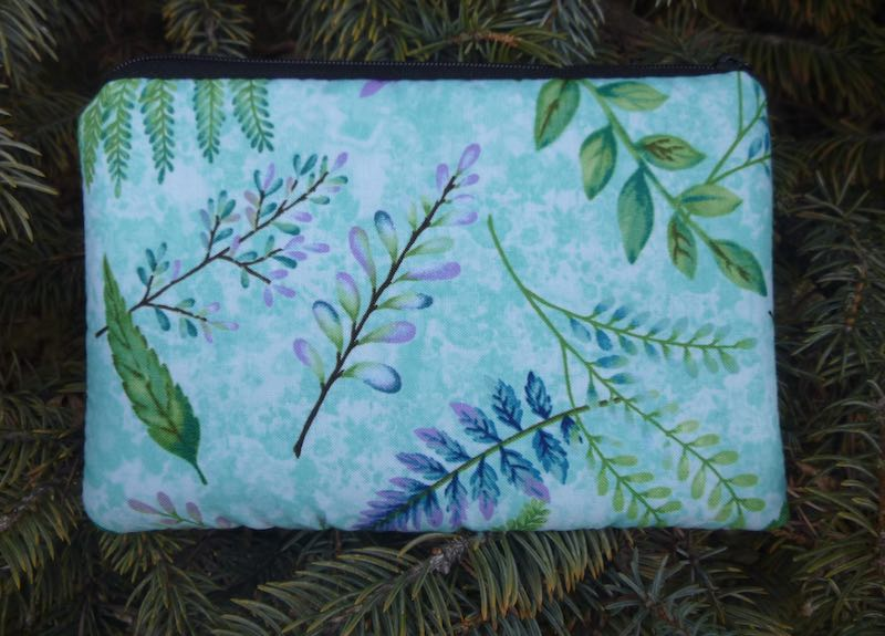 Botanicals on Blue padded case for essential oils, the Essence