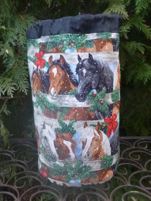 Christmas Horses SueBee Round Drawstring Bag