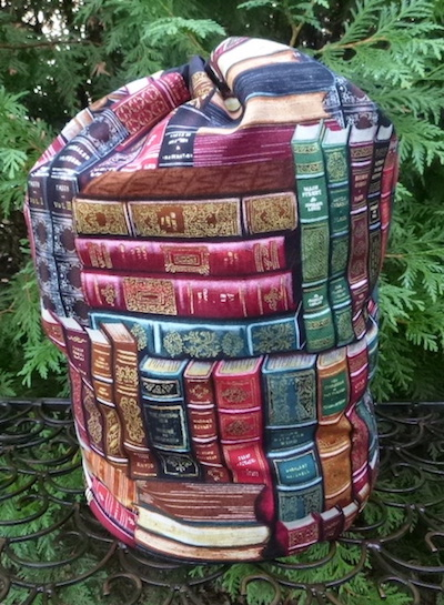 Classic Books drawstring bag, The Large Suebee