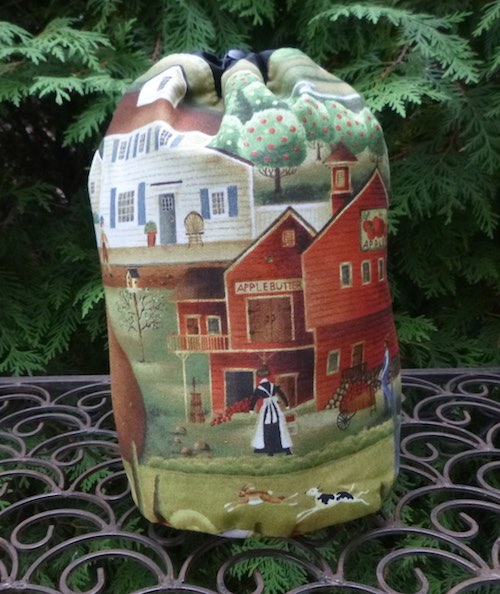 Country Village SueBee Round Drawstring Bag