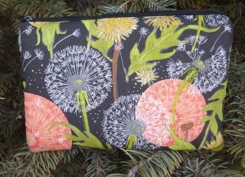 Dandelions padded case for essential oils, the Essence