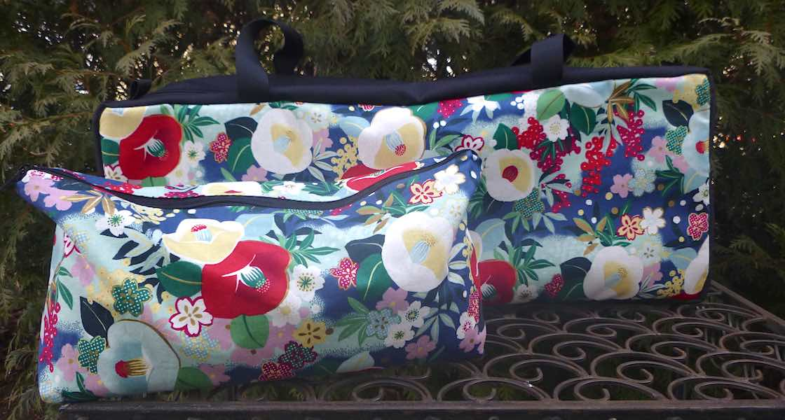 Flowers Poetry Mahjongg Storage Set The Zippered Tote-ster and Large Zini
