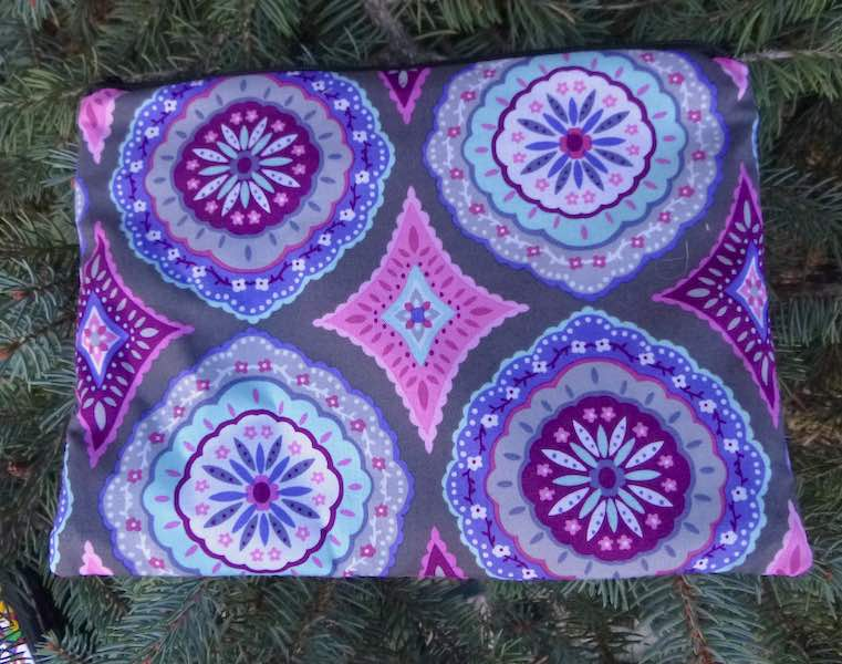 Purple Medallions Mahjongg card and coin purse, The Slide