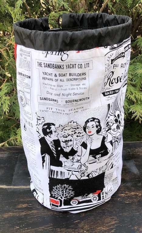 Retro Ads drawstring bag, The Large Suebee