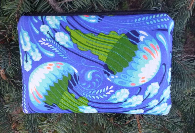 Seabloom Jellyfish padded case for essential oils, the Essence