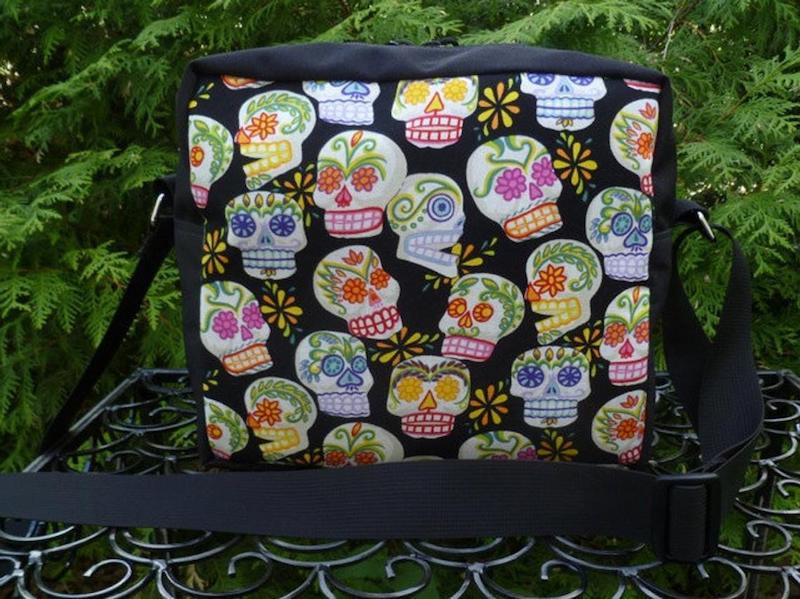 Sugar skulls shoulder bag, The Raccoon