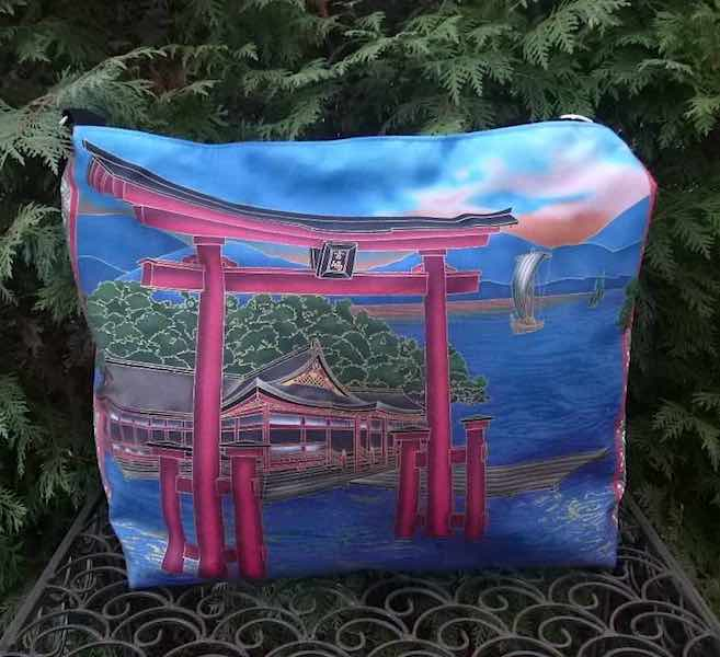 Buddhist Temple Britta zippered tote