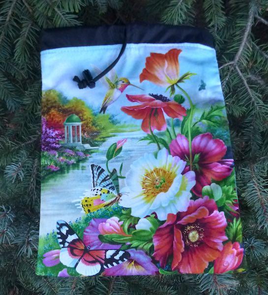 Hummingbird World Flatie Jr. a flat drawstring bag