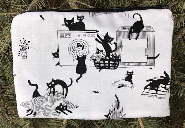 Les Chats Noir zippered bag, The Scooter
