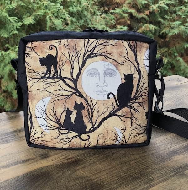 Moon Gazing Hipster Shoulder Bag, The Otter