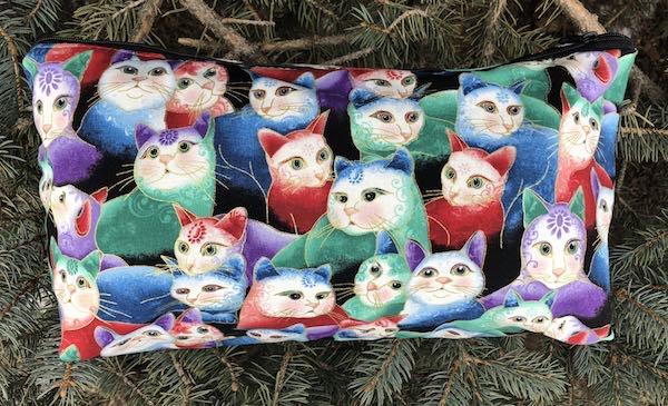 Peeping Kitties Large Zini Flat Bottom Bag