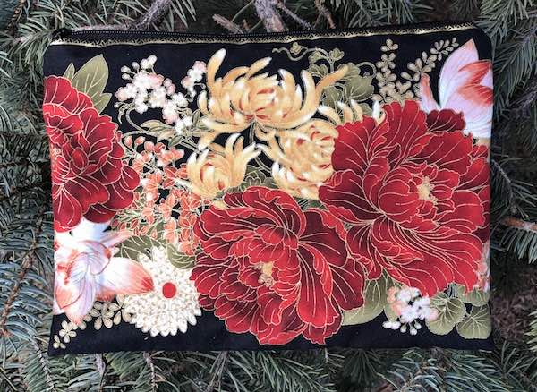 Red Peonies Mahjongg card and coin purse, The Slide