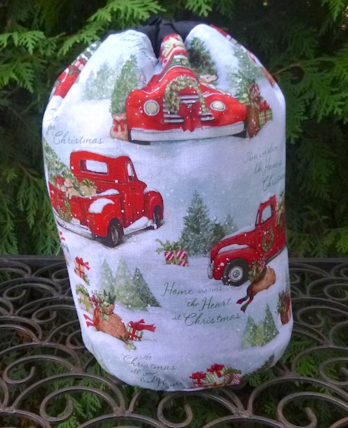 The Heart of Christmas SueBee Round Drawstring Bag