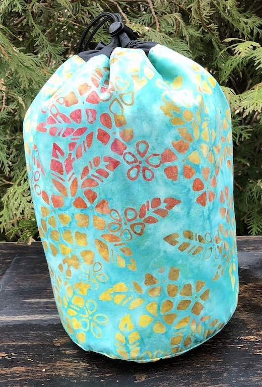 Spring Breeze SueBee Round Drawstring Bag
