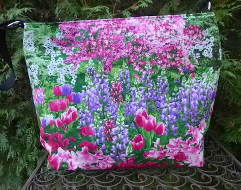 Spring in Bloom Britta zippered tote- CLEARANCE