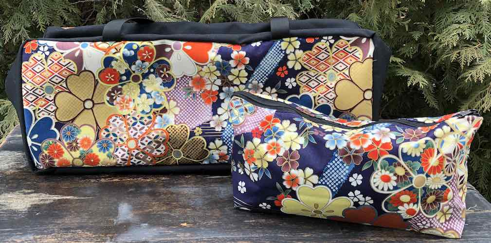 Big Blossoms Mahjongg Storage Set The Zippered Tote-ster and Large Zini